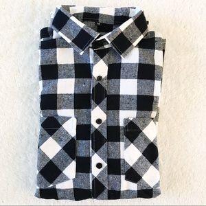 NWOT Mens Flannel Plaid Button Down Shirt M